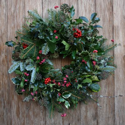 Make a Christmas wreath evening